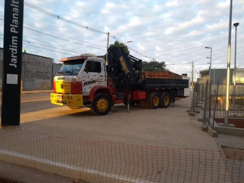 Aluguel de Caminhões Guindastes Anália Franco - Aluguel de Guindaste para Içamento de Carga